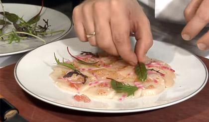 Carpaccio de saint jacques au citron caviar